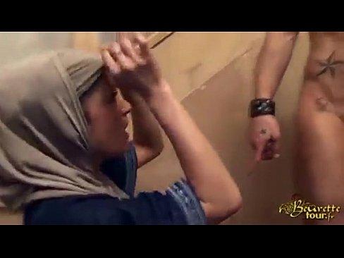 Nonton video bokep Hijabi girl assfucked