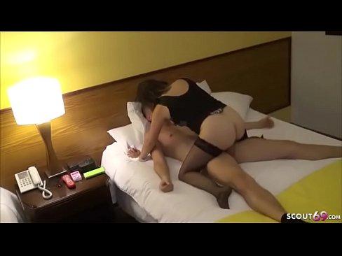Nutte Ohne Kondom Gefickt