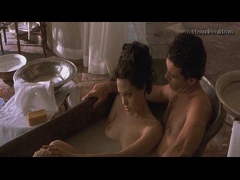 Angelina jolie nude sex video