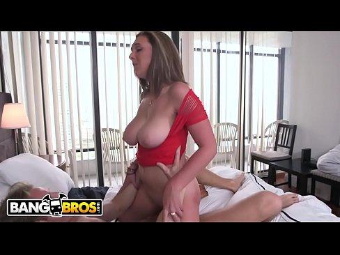 BANGBROS – Brunette Pornstar Brooke Wylde Has Amazing Natural Big Tits