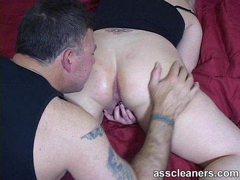 Guy licks pussy hole
