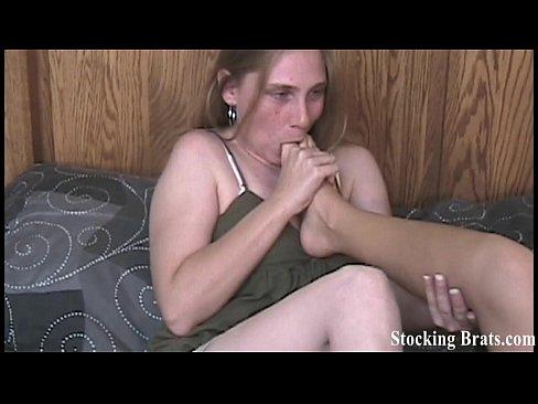 Lesbian roommates Bella and Rachel sucking toes