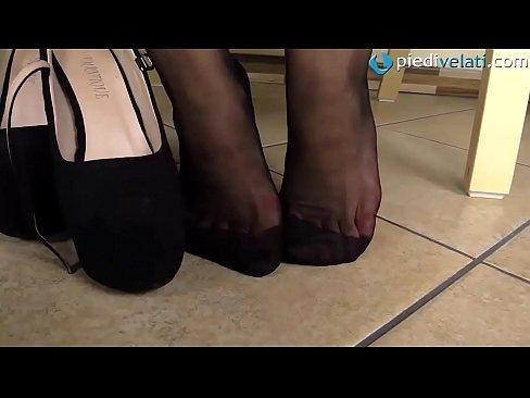 Redhead feet in RHT black pantyhose