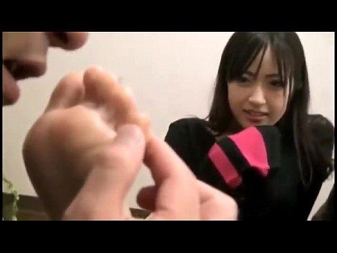 Download video bokep Cute japanese foot worshippp