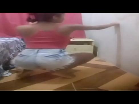 brasileira dançando funk 04