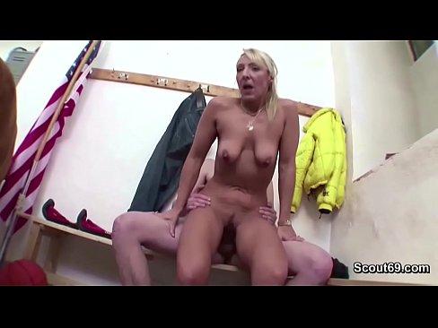 Skinny girl with phatpussy