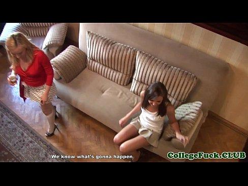 Wild colege girls peeing