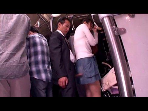 kartinki-video-gde-yapontsi-trahayutsya-v-avtobuse
