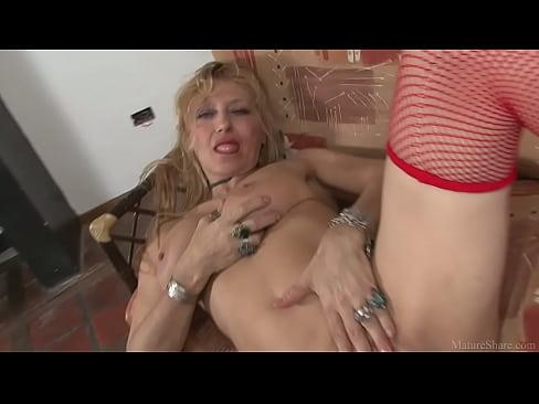 Natural lesbion sexx masturbatian