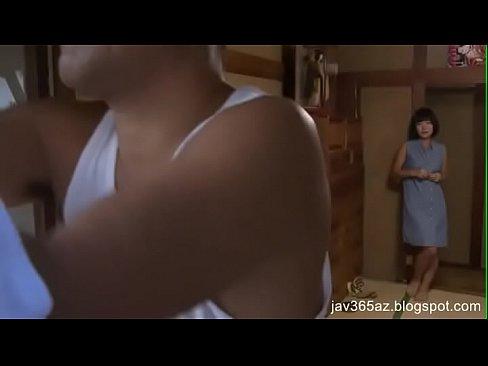 【ヘンリー塚本】ちょいブス熟女は体がエロく格好の不倫セックス相手