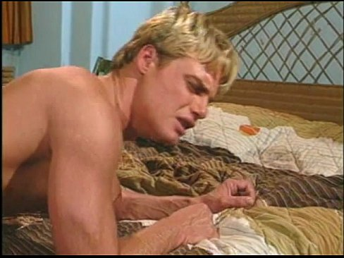 Порно мал блонд