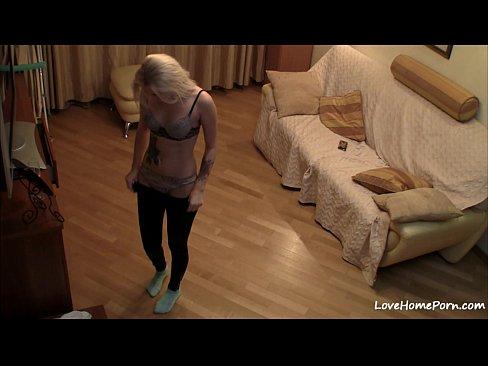 Пасмотреть скрытая камера в комнате
