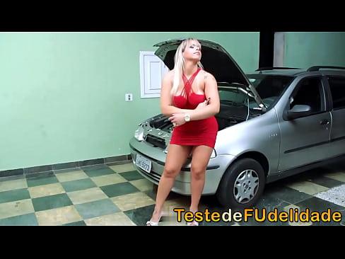 Mecanic Auto Repara Soferita In Loc Sa Repare Masina O Fute Pe Nebuna Rau