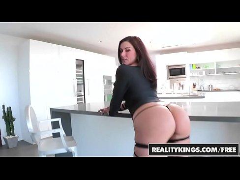 Film Porno Salbatic Cu O Mamica Aventuriera