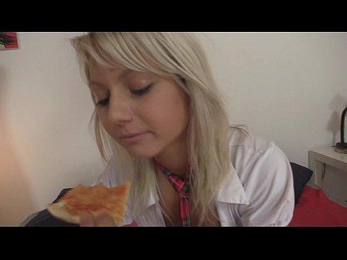 18yo schoolgirl gets fucked by pizza delivery boyXXX Sex Videos 3gp