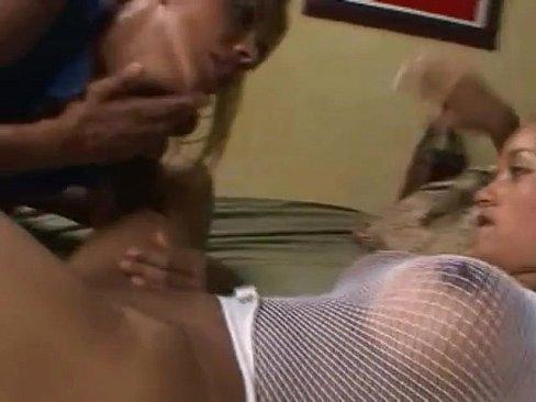 Piercings lesbin horne licking