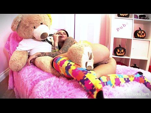 Christy Mack Halloween solo