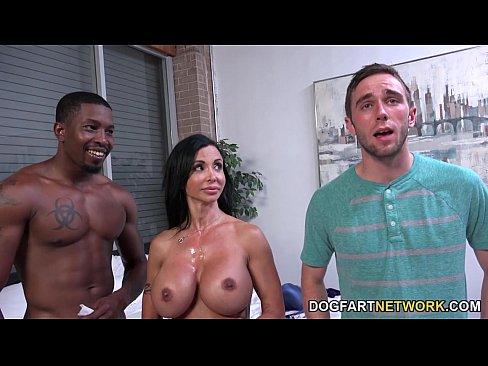 porno-zheni-seks-pri-muzhe-molodie