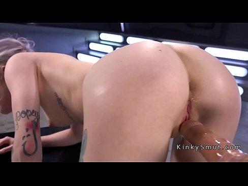 Blonde gets intense orgasms on fucking machine's Thumb