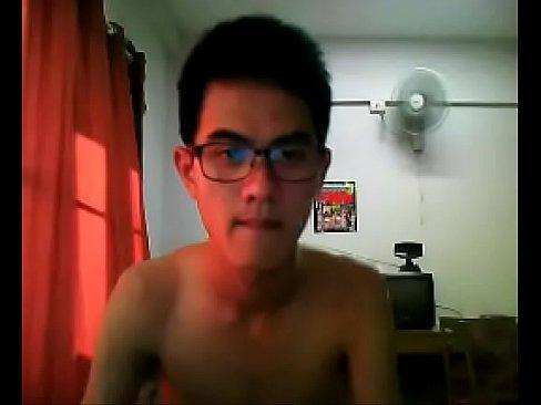Solo Jerking On Webcam In Bed