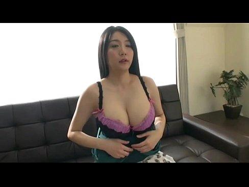 爆乳おっぱい美熟女がガン突きセックスで絡み合う