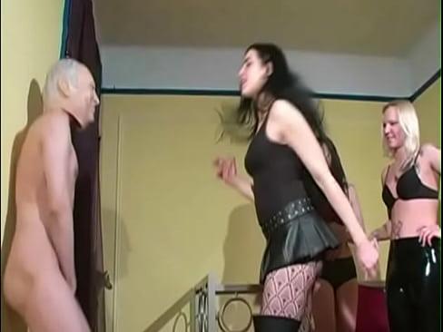 Xxx Amateur sybian sex machine doing homemade milf blonde