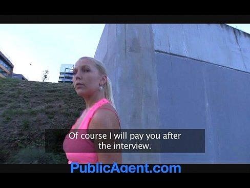 Видео секс ебут женщины в кустах по очереди, имена порно актрис с большим задом