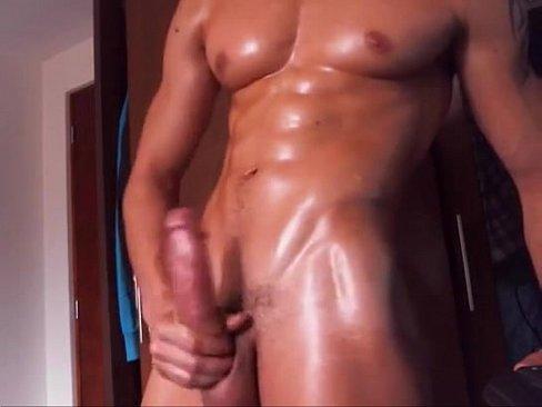 Muscly Hottie Makes Himself Cum