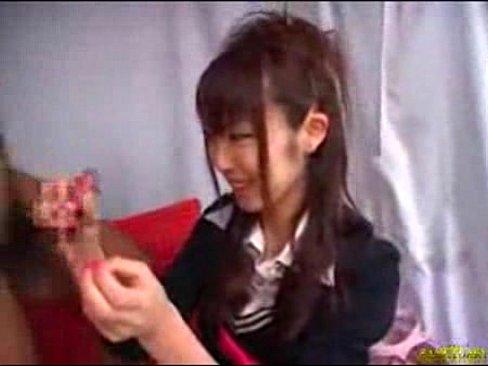 素人CFNM娘が、手コキ&フェラこき!仁王立ちで眺める姿は快感以外のものではない!