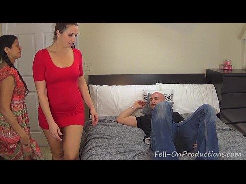 Мать застукала бабу за сексам видео