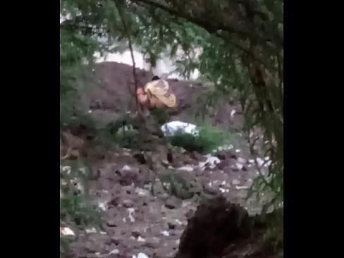 gujrati village girl outdoor pissing