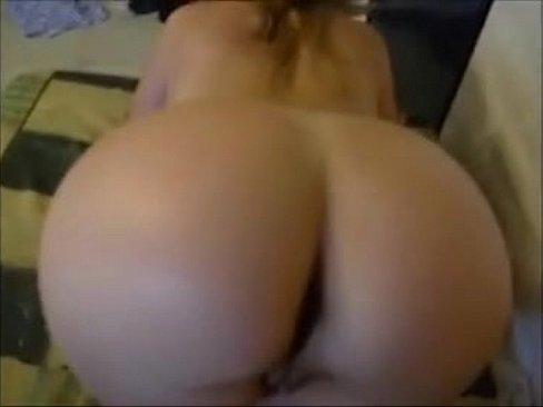 Milf Twerking No Panties