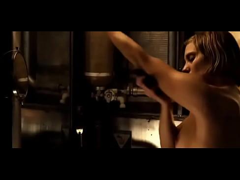 Scarlett johansson pussy fakes
