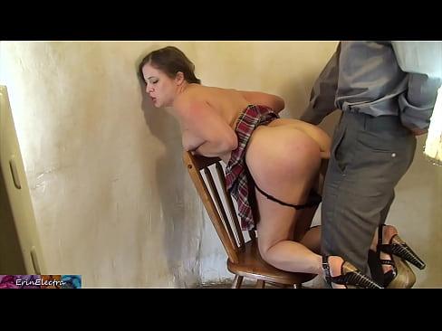 Поднимают юбки порно — photo 1