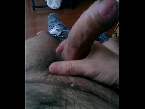 Seor maduro masturbandose