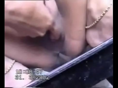 Telugu Randi Bhabhi show her shaved chut wide open and fingeredXXX Sex Videos 3gp