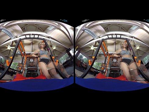 Naughty America VR – fuck Sofi Ryan in the gym!