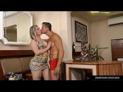 Acompanhante Travesti Carol Penelope Comendo o Cara