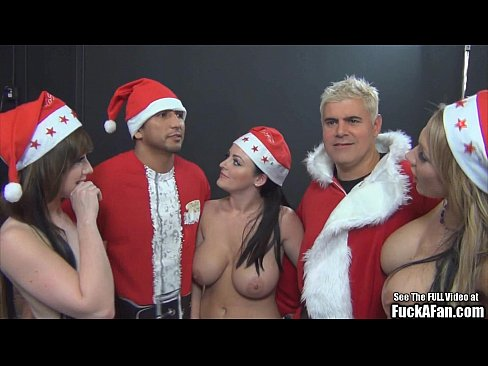 Free nonton vidio bokep Sophie Dee Big Tit Christmas Fuck a Fan