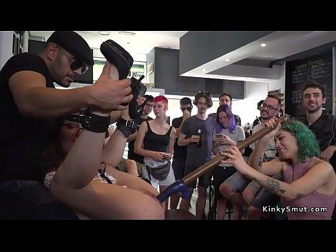 Euro babe fucked in public bar's Thumb