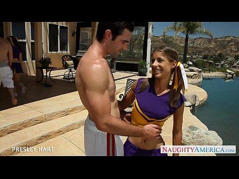 Download video bokep Hot cheerleader Presley Hart fuck outdoors