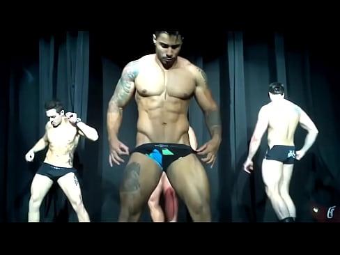 Gay Club – So Fuckin' Hot
