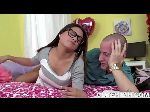 Sexy n nude videos boys n girld