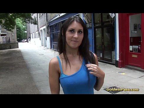 21Видео секс в лифте незнакомец