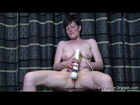 Icelandic milf masturbating and have a orgasm