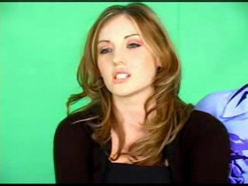 Shawnie Jones/Sugar, Horny brunette slides it in her wet clit - XVIDEOS.COM