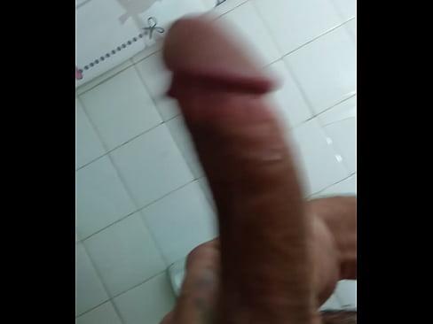 Shemale masterbating clip