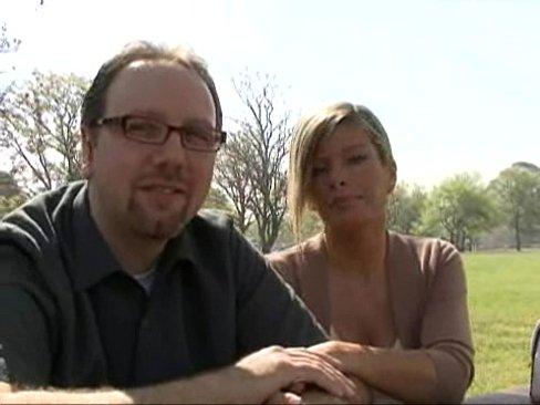 Трахнул чужую жену на глазах у ее мужа