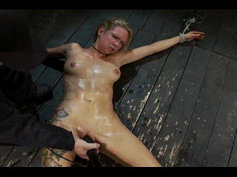 Порно теряет сознание от оргазма