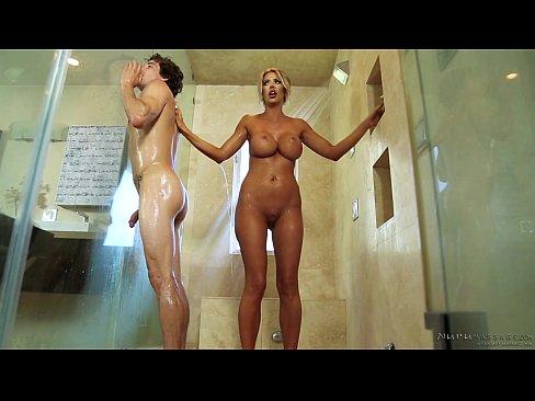 gay escort fuck pajas en la ducha